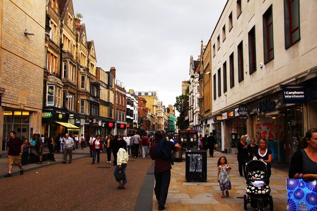 Cornmarket_Street_in_Oxford_-_geograph.org.uk_-_1421496